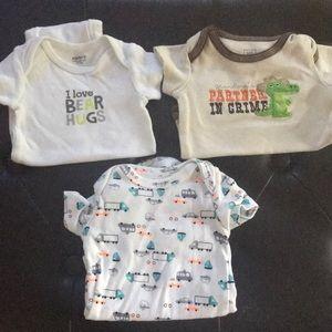 Newborn onesies (3 pack)